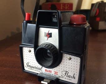 1950's Vintage Imperial Mark XII 620 Film Camera