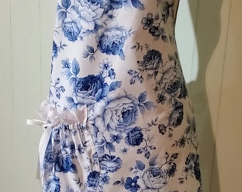 """Mother's Day Apron - 'Blue """"Chintz'"""