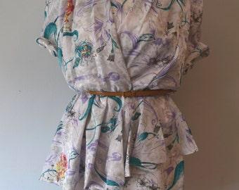 80s Vintage Mini Printed Dress / White, floral print / Tulip skirt / Woman / Small