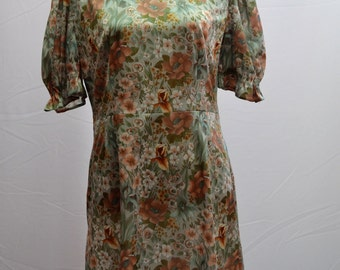 1970's floral shift dress with puff sleeves in beautiful muted tones