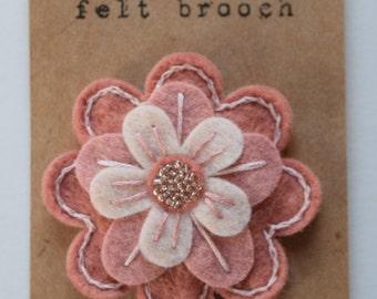 Felt flower pin/brooch - wool felt - handmade - unique pin - pink