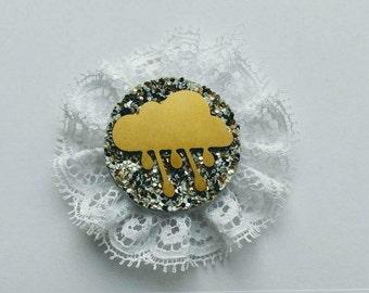 Cloud and rain vintage cameo brooch