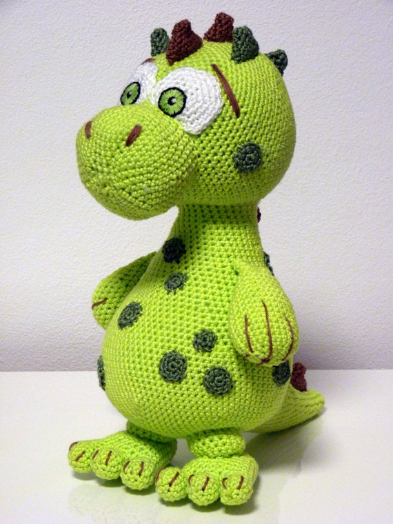 Amigurumi Dinosaur Pattern Free : Crochet Pattern Dinosaur Lucky Amigurumi PDF Cute Green Dino