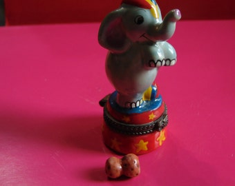 Circus Elephant with peanut trinket