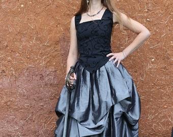 pleine longueur, argent et noir drapé, agitation jupe steampunk rétro goth fantasy médiéval