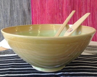 Open bowl, Ceramic bowl, Pottery bowl, Salad bowl, Light green bowl, Yellow bowl, Colorful bowl, Large bowl, Modern ceramic bowl