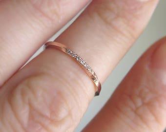 Mobius ring, Diamond mobius ring, Mobius wedding band, Pave mobius ring, Diamond Wedding ring, 14K Gold mobius band, White diamond midi ring