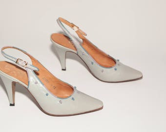 Rosina Ferragamo Schiavone \\ Vintage Shoes \\ Light Blue Slingback Pumps with Leather Knot Details \\ Vintage Heels \\  Size 8