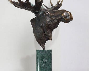 "Bronze sculpture ""Moose""// Hunting sculpture// Sculpture// Exclusive gift// Hunting// Art// Gift to the hunter// Wild animal sculpture"