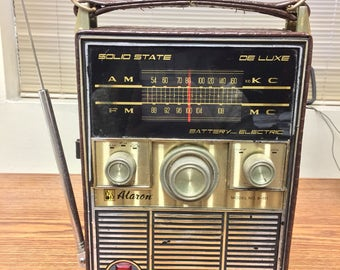 Vintage Solid State AM/FM Radio - In Box