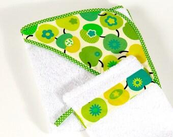 Baby towel, grüneÄpfel, hooded towel