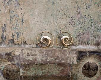 Brass Earrings Spiral / Boucles d'oreilles spirale en laiton