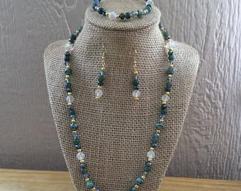 40: Necklace, Bracelet, Earrings Set