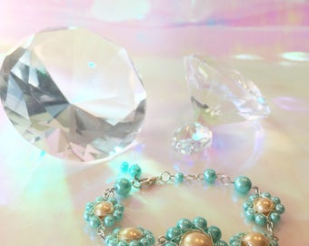 Pearl-Flower Bracelet in light turquoise