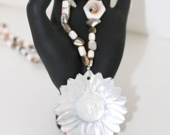 Mother of Pearl Flower Power Necklace