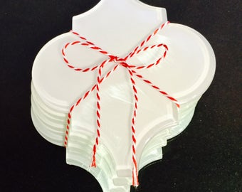 Glass coasters with nonslip grip in white