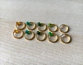 Set of 10 stitch markers in Emerald Jewels