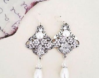Crystal Bridal Earrings Chandelier Wedding Earrings Swarovski Pearl Teardrop Art Deco 1920s 1930s Flower Bride Old Hollywood Statement RAISA