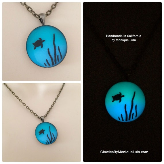 Sea Turtle Glow in the dark Art Necklace Ocean Sea Water Seaturtle