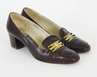 Givenchy 1970's Authentic Vintage Brown Genuine Leather Gold Buckle Heels Sz 8 N