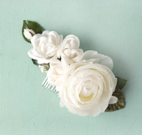 Bridal flower comb, White floral hair comb, Vintage millinery clip, White ranunculus hair accessory, White rose flower comb, Bridal hair