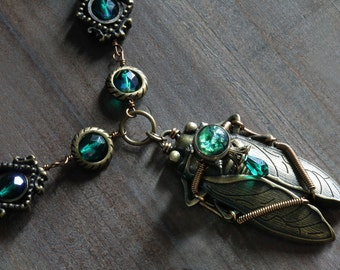 Steampunk Jewelry, Cicada with Emerald green Harlequin glass and swarovski crystal - One of a kind steampunk jewellery