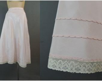 Vintage 1940s Rayon Half  Slip, Pink Taffeta 31-1/2 inch waist, Suzette Snip-it