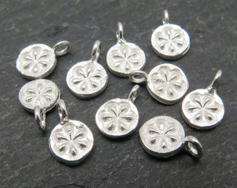 Sterling Silver Daisy Charm 7mm (CG7790)