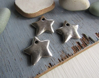 silver metal Star charm metal casting  pendant  -  pewter finish , antiqued silver finish - 15 mm ( 4 pcs ) 6bs2854