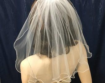 Shoulder length 1 tier Ruffled Edge bridal veil