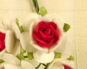 FF-100 Miniature Red and White Paper Roses