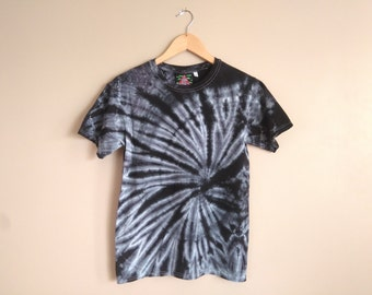 SMALL Black Spiral Tie Dye T-shirt. Black and white unisex 100% cotton hand dyed tee. Spider web / Dark / Goth / Hippie / Contrast / Detail