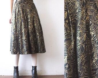 80s  high waist midi skirt. black and gold skirt. full midi skirt - small