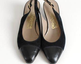 1990s Ferragamo dark blue suede slingbacks * 1980s heels SH061