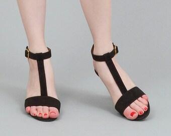 80s Black T Strap Heels, Suede Leather Heels, Ankle Strap Sandals, Coup d'etat Shoes, Minimalist Heels, Size US 5.5