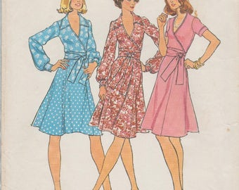 Simplicity 6788 / Vintage Sewing Pattern / 2 Piece Dress / Wrap Blouse And Skirt / Size 12 Bust 34