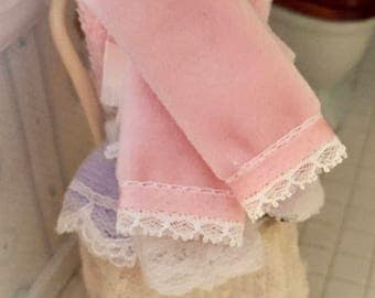 Miniature Pink Towels With Ribbon and Lace Edge, Dollhouse Miniature, 1:12 Scale, Dollhouse Accessory, Bathroom Decor, Mini Towel Set