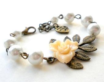 Flower Girl Bracelet Rustic Wedding Jewelry Junior Bridesmaid Gift Ivory Bracelet Flower Girl Jewelry Baby Girl Bracelet Flower Girl Gift