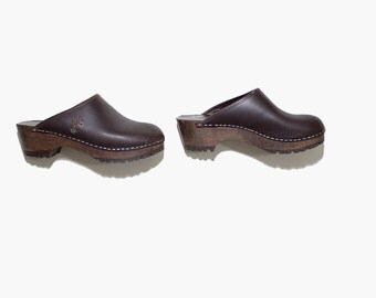 Vintage Wooden Clogs 8 / Brown Leather Clogs / Brown Leather Mules / Wood Clogs