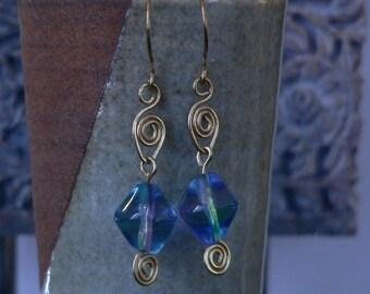 ocean blue earring, blue glass earrings, blue green earring, wire work earring, boho earring, dangle earring, glass earring