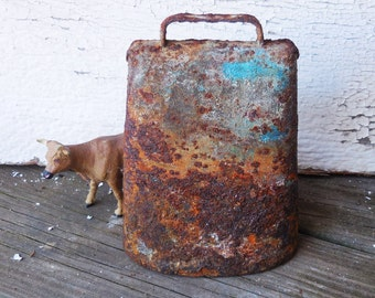 Large cow bell  antique Rusty aged Farm Salvage Primitive farmhouse Rustic