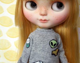 Grey sweater for Blythe, Dal, Licca...