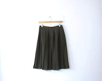 Vintage 90's black pleated skirt, black skirt, knee length skirt, size 10 / medium