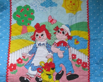 Vintage Raggedy Ann & Andy Baby Quilt Blanket