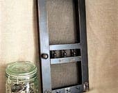 Shabby Farmhouse Mini Screen Door Message Center & Key Holder Wall Hanging Screen Door Key Holder with Clip for Notes