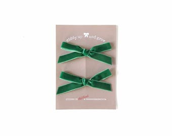 Summer Pigtail Bows, Velvet Hair Bows in the Color Pine, giddyupandgrow