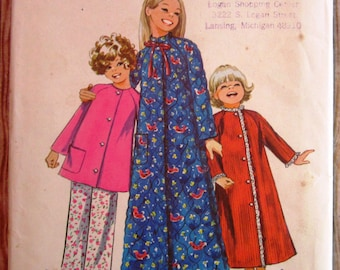 Vintage 1970s Little Girls Robe or Pajama Top and Pants Size 5 Simplicity Pattern 9688 UNCUT