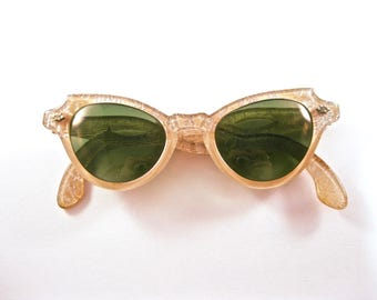 Cat eye sunglasses pink ornate frames w/ sparkly lace. 1950s eyeglass sunglass frames.