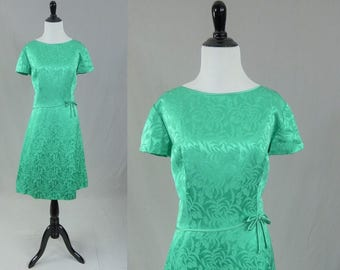 60s Light Green Party Dress - Satin Brocade Look - Top Quality - Royal Lynne Hong Kong - Vintage 1960s - L XL 41-33-44