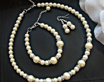 Ivory pearl bridal jewelry set, pearl necklace pearl bracelet and earrings, silver crystal jewelry pearl wedding jewelry bridesmaid gift set